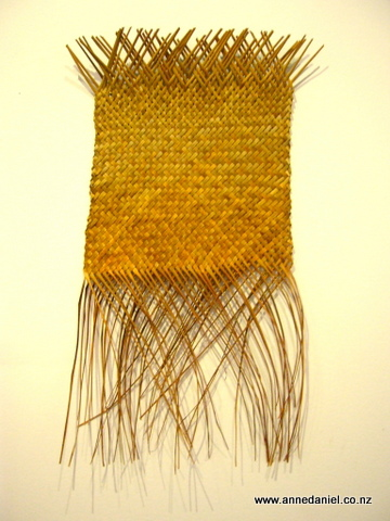 "Harakeke wall hanging ""Golden Daze"""