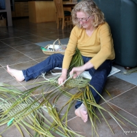 Weaving a wahakura